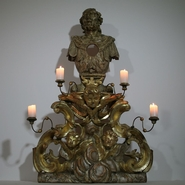 Spectacular period piece with 3 angelheads and 4 candleholders.Beautiful gilding and traces of silver.