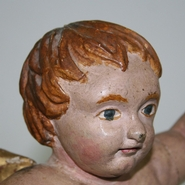 Very nice baroque angel with its original color.Lovely piece